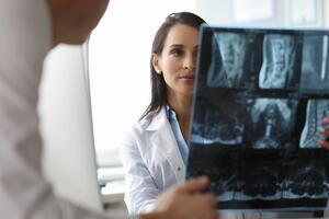 13 Questions to Ask Your Spine Surgeon Before a Herniated Disc Surgery