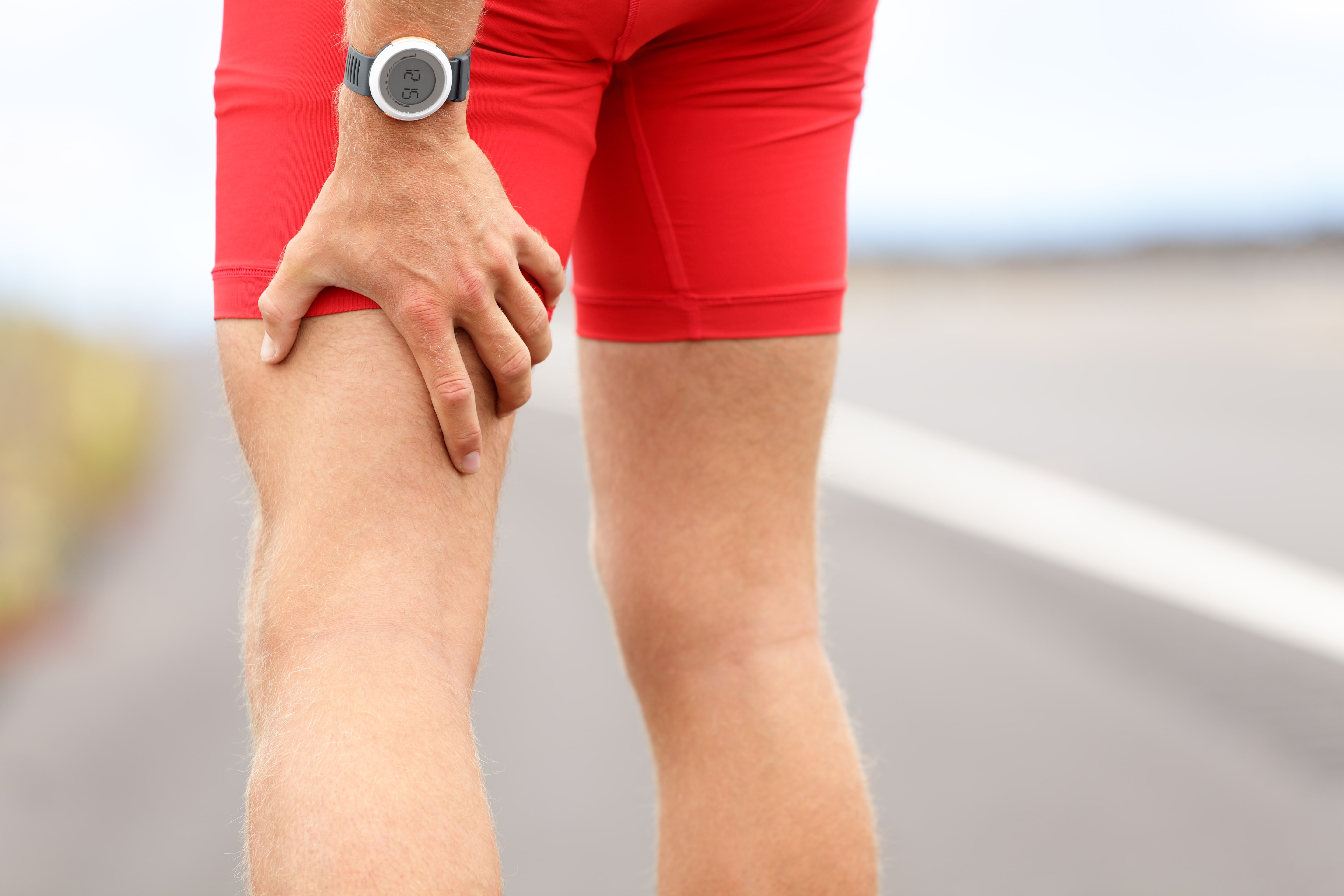 How to Manage Leg Pain Leading Up to Your Discectomy